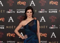 De azul noche Clara Lago se corona como una de las más elegantes de los Goya 2016