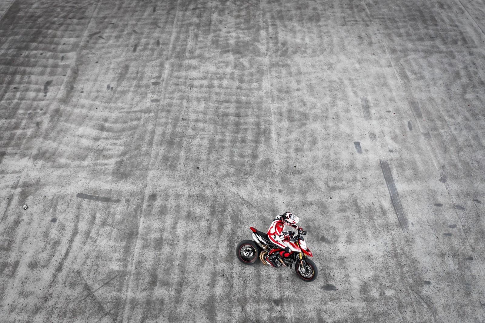 Foto de Ducati Hypermotard 950 2019 (31/76)