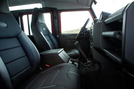 Land Rover Defender 2013