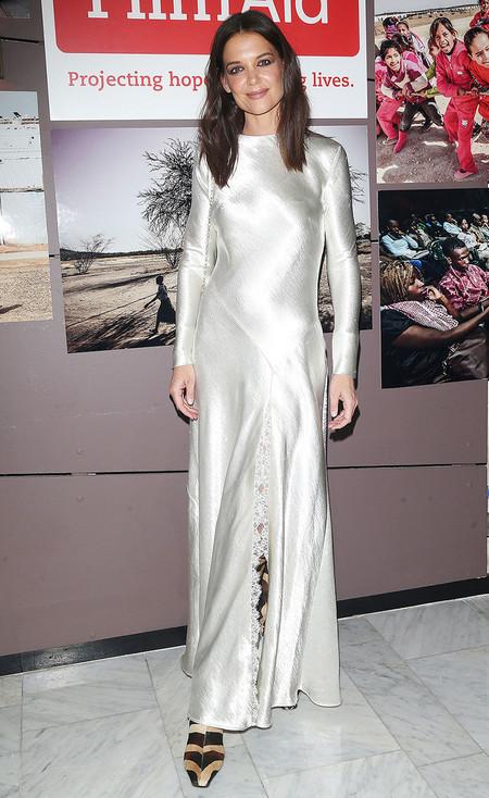 Katie Holmes Vestido Sanitado Blanco Navidad Fiesta Portada