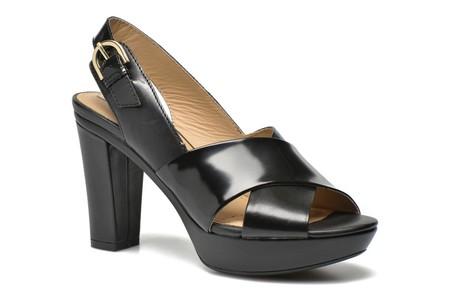 50% de descuento en las sandalias  Geox D HERITAGE B en negro: 66 euros con gran variedad de tallas y envío gratis en Sarenza