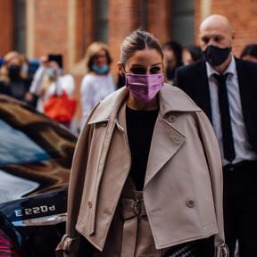 Olivia Palermo convierte el trench en algo moderno que va más allá de una clásica chaqueta