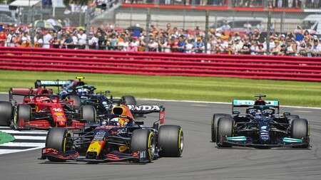 Verstappen Hamilton Silverstone F1 2021