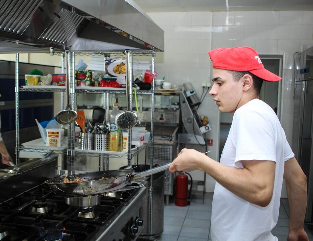 Ofertas para nuestra cocina: menaje y pequeños electrodomésticos Cecotec, Moulinex o Magafesa rebajados en Amazon