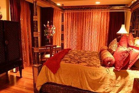 Otro dormitorio de Tiger Woods.