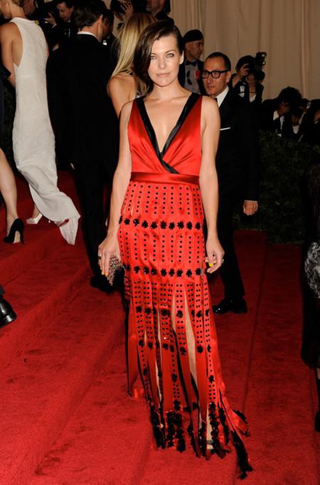Peores looks peor vestidas Costume Insitute MET Gala Milla Jovovich Prada