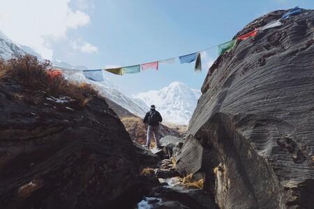 Un alpinista en el santuario de Annapurna, el único lugar donde sí se puede ascender.