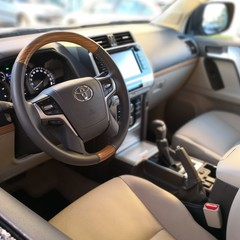 toyota-land-cruiser-limited-fotos-interiores