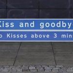 Dale un besito rápido de despedida, o tendrás que pagar. Las nuevas tarifas del aeropuerto de Glasgow