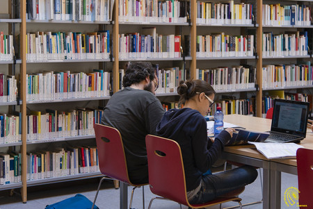 El gran tapado del mundo editorial es el préstamo gratis de libros electrónicos en las bibliotecas