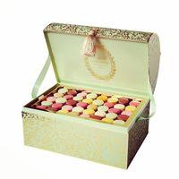 El regalo más dulce y chic que podemos comprar en Nueva York es esta maravilloso cofre con 200 macarons