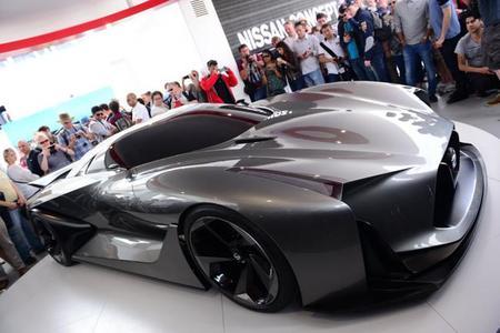 Nissan, se atreve a recrear a tamaño real su concepto Vision GT para 'Gran Turismo 6'