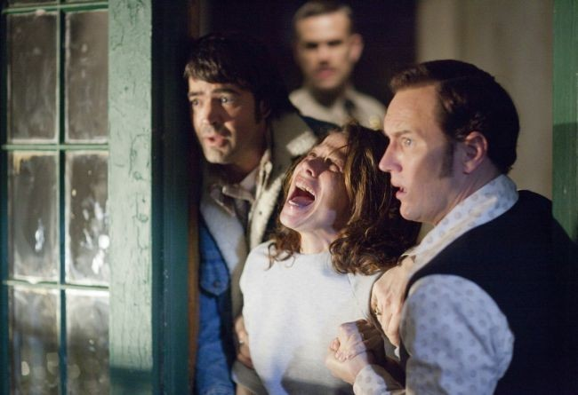 Ron Livingston, Lili Taylor y Patrick Wilson en Expediente Warren: The Conjuring