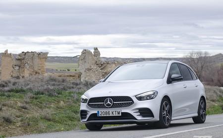 Probamos el Mercedes-Benz Clase B: la resistencia de los monovolumen con la comodidad y el espacio por bandera