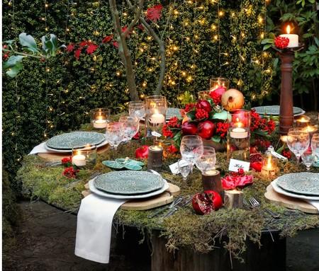 ¿Quieres poner una mesa de Navidad muy natural? Esta mesa está inspirada en el bosque