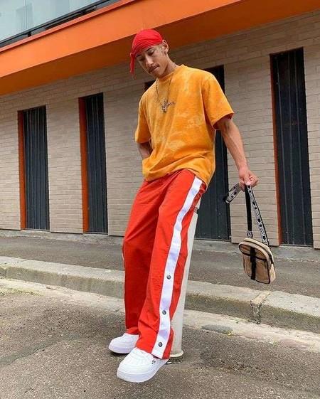 El Mejor Street Style De La Semana El Naranja Se Impone Como El Color De Transicion De Temporada 05