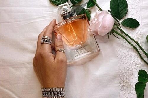 15 estuches de lujo para regalar un perfume esta Navidad en El Corte Inglés: Carolina Herrera, Loewe o Tous rebajadísimos