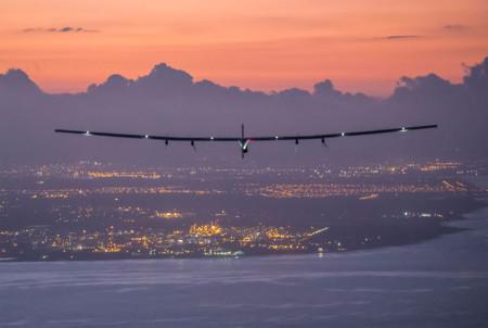 La vuelta al mundo sólo con energía solar: el Solar Impulse II completa su viaje