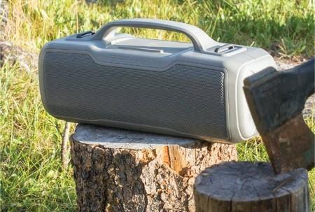 Los nuevos altavoces portátiles de Braven prometen resistir tus salidas al campo y hasta al usuario más manazas