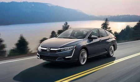 Mientras el mundo piensa en un futuro de coches eléctricos, Japón lo apuesta (casi) todo al coche de hidrógeno