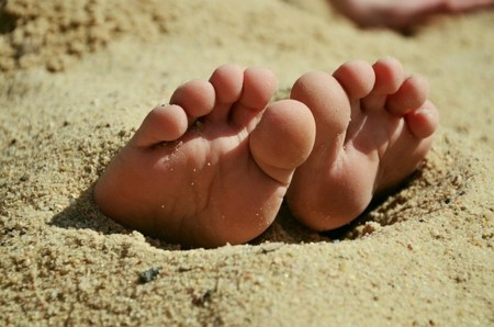 Feet 717507 640