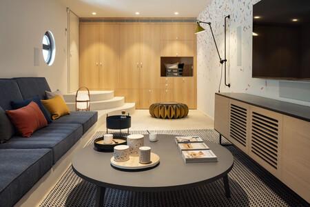 The Room Studio 53