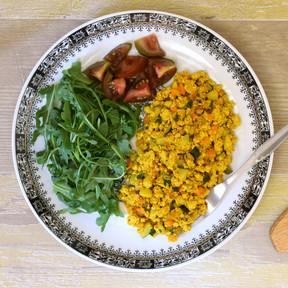 Revuelto de tofu y verduras: receta saludable vegana, ligera y rápida