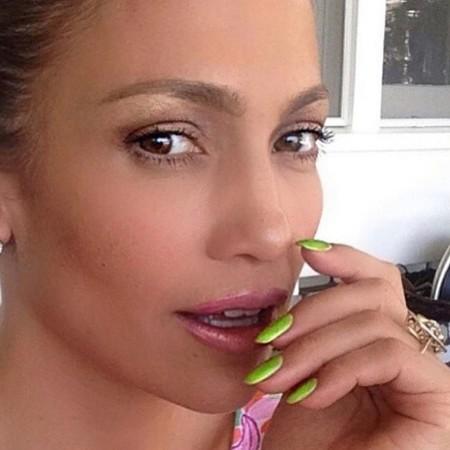manicure Jennifer Lopez