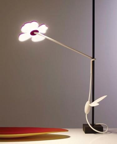 Ikebana, una lámpara con forma de flor