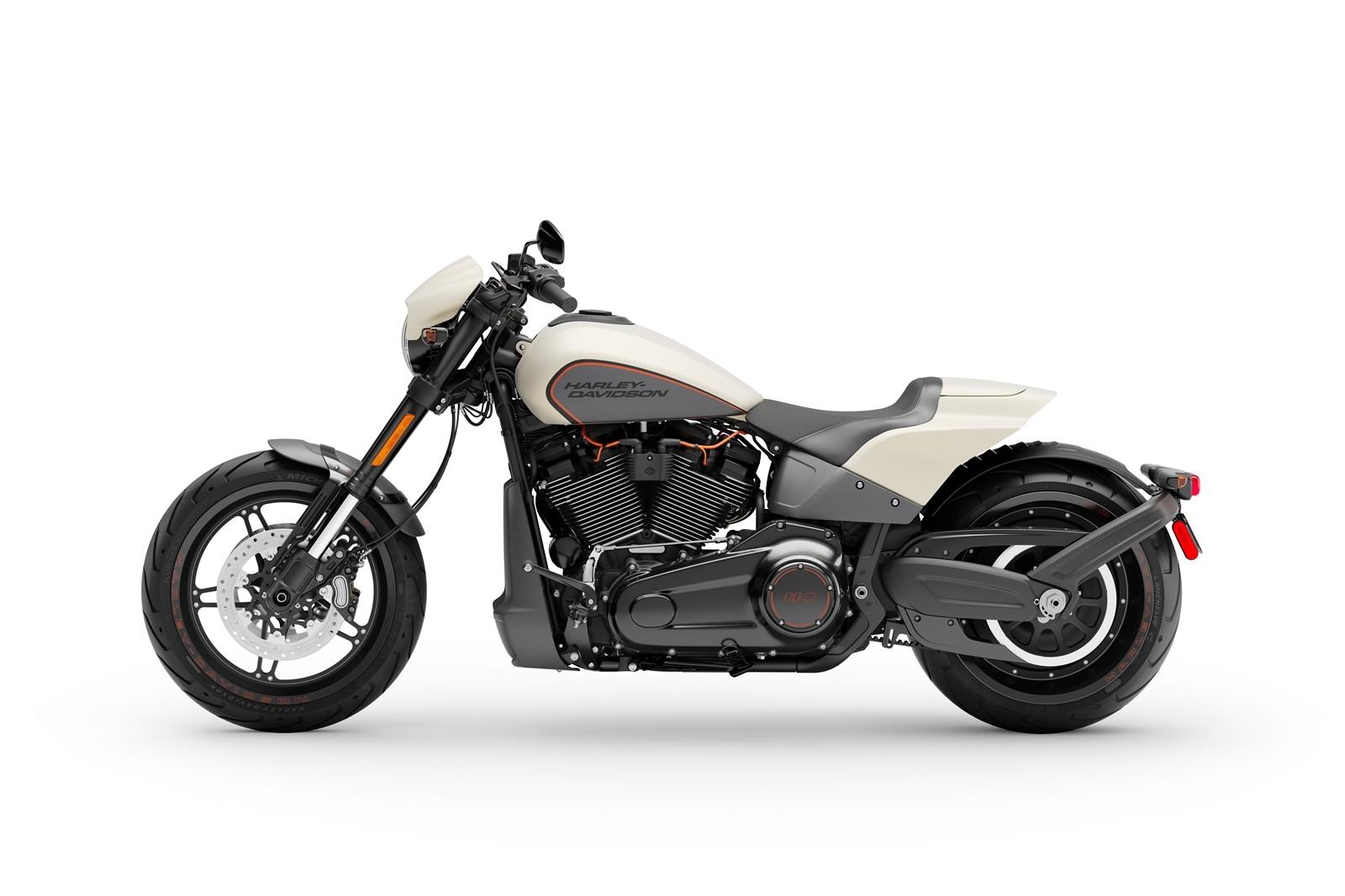 Foto de Harley-Davidson FXDR 114 2019 (2/9)
