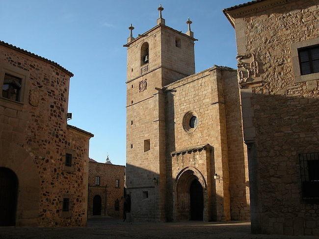 800px Concatedral De Caceres