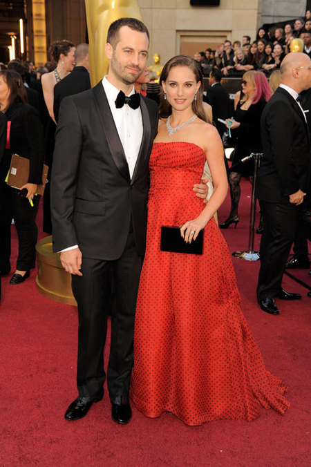 Natalie Portman y Benjamin Millepied en los Oscars 2012