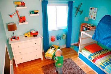 Espacios que inspiran: dormitorio infantil con juguetes vintage
