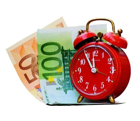 Pasos iniciales en el Congreso para eliminar el uso del dinero efectivo en España, pero no todo es el camino de rosas electrónicas que algunos presuponían