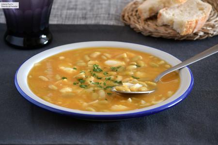 Verdinas con bacalao y verduras: receta fácil de cuchara, saludable y deliciosa