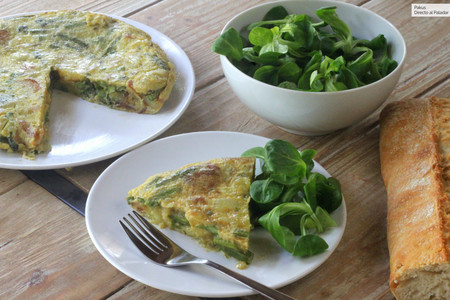 Tortilla de patatas y espárragos trigueros, receta primaveral para aumentar el consumo de fibra