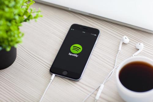 Spotify ya permite escuchar con amigos la música favorita desde iOS y Android siguiendo estos pasos