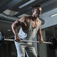 ¿Las dominadas no son lo tuyo? Estos son los ejercicios que puedes realizar en su reemplazo