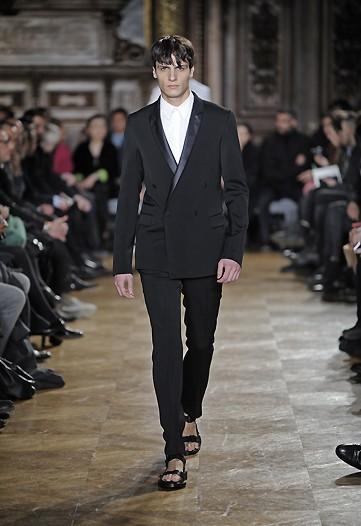 Foto de Givenchy, Otoño-Invierno 2010/2011 en la Semana de la Moda de París (7/10)