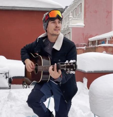 Música para homenajear a Filomena: el cantante de Dvicio le dedica una canción a la nieve en Madrid que se ha hecho viral en Instagram