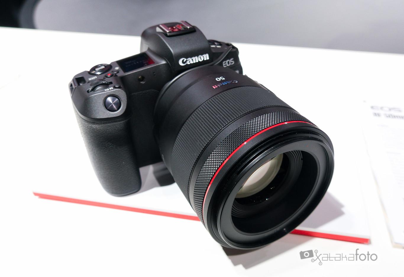 """Canon EOS R: """"Lo mejor del nuevo modelo no es la cámara en sí, sino la nueva montura"""", John Maurice de Canon Europe en Photokina"""