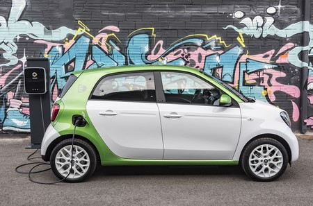 Smart Forfour Electric Drive 2017 065