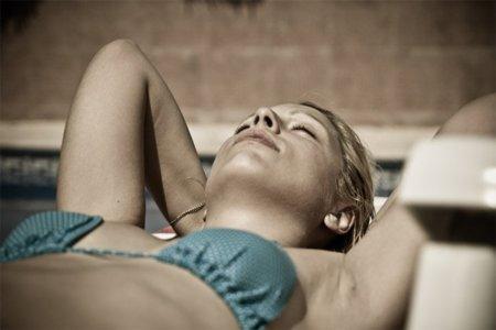 Algunos mitos sobre cómo tomar el sol