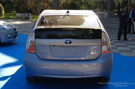 Toyota-Prius-Plug-in-MAD-06