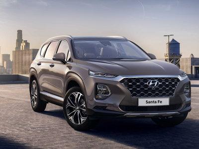 El nuevo Hyundai Santa Fe muestra muchas curvas en sus primeras fotos oficiales