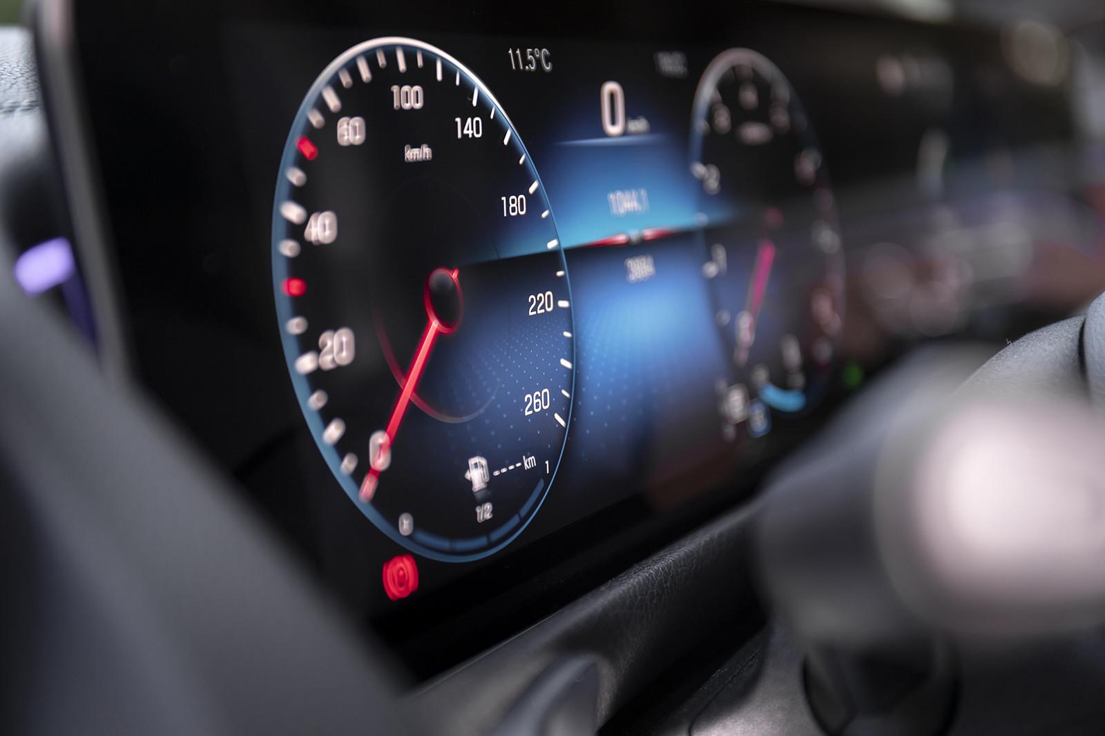Foto de Mercedes-Benz GLB 250 4MATIC (lanzamiento) (28/39)