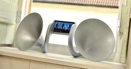 HTC le pone unos 'cuernos' exquisitos al HTC One
