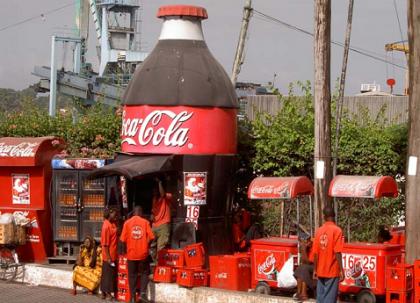 En Kenia, la Coca Cola es más barata que el agua