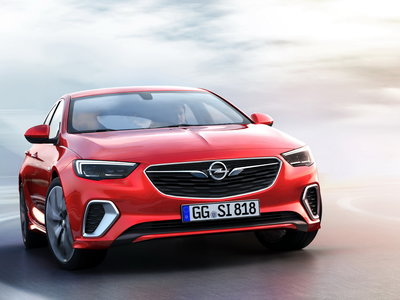 El Opel Insignia GSi es un apabullante sedán deportivo criado en Nürburgring