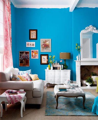 Cinco buenos ejemplos de paredes pintadas a media altura for Habitaciones pintadas
